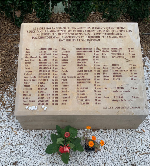Stèle à la mémoire des 44 enfants juifs d'Izieu (Plaque in memory of the 44 Jewish children of Izieu). Lyon, France.